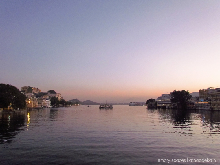 udaipur_evenings_pichola_arnabdeka (3 of 18)